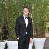 Colton Haynes en una fiesta celebrada en los jardines del Palacio de Kensington