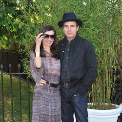 Ewan McGregor y su mujer Eve Mavrakis en una fiesta celebrada en los jardines del Palacio de Kensington