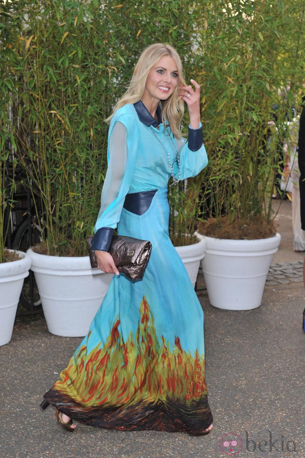 Donna Air en una fiesta celebrada en los jardines del Palacio de Kensington