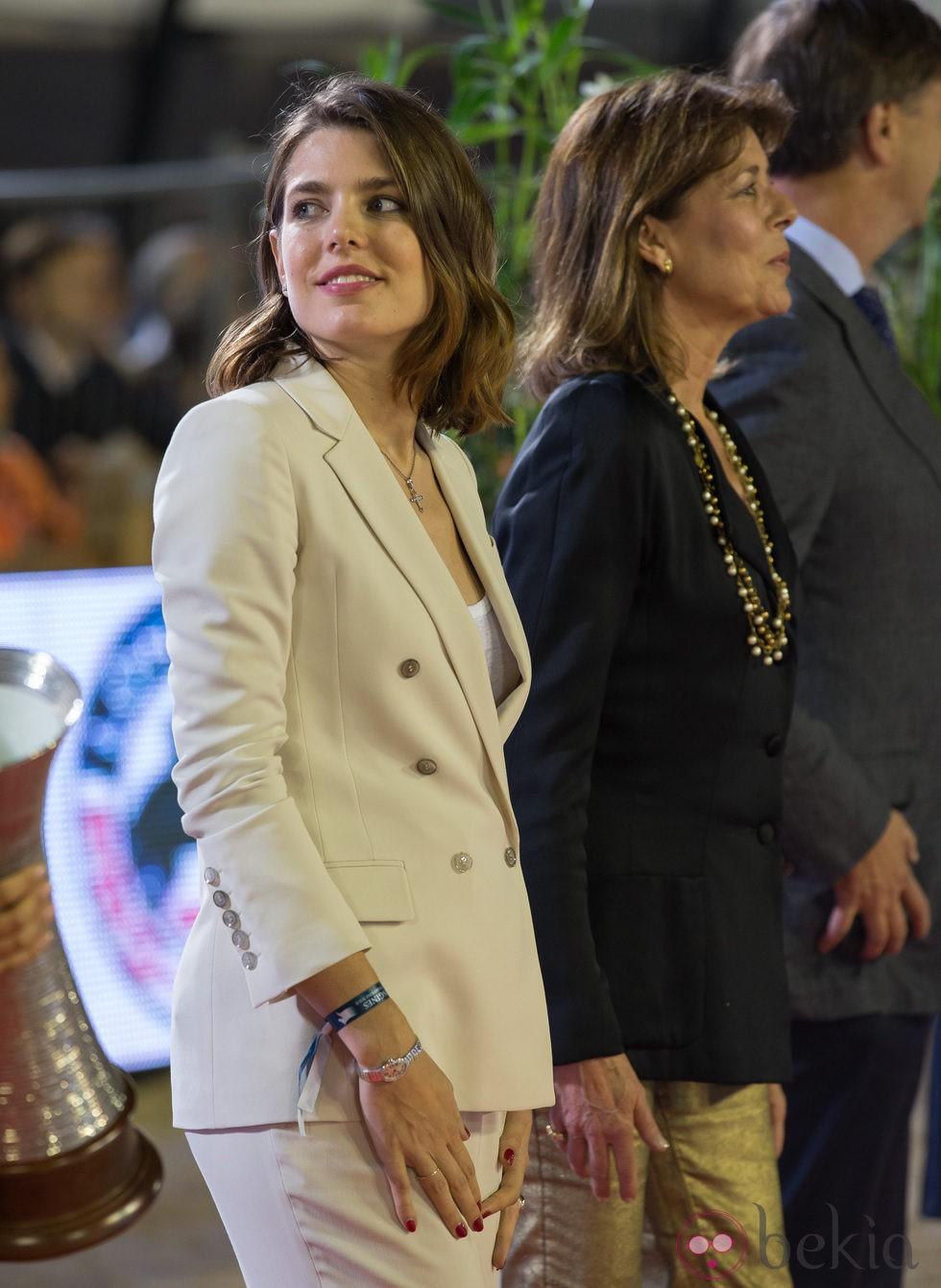 Carlota Casiraghi y Carolina de Mónaco en el Concurso de Saltos de Monte-Carlo 2013