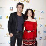 Jesús Olmedo y Silvia Marsó durante la final del programa 'Masterchef' en Madrid