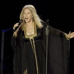 Barbra Streisand durante su concierto en Israel