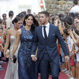 Sergio Ramos y Pilar Rubio de la mano en la boda de Alejandro Talavante y Yessica Ramírez
