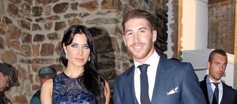 Sergio Ramos y Pilar Rubio posando en la boda de Alejandro Talavante y Yessica Ramírez