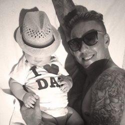 Guti y su hijo Enzo disfrutando de Ibiza
