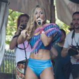 Verónica en el desfile del Orgullo Gay 2013