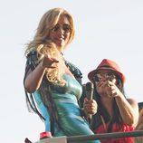 Rebeca en el desfile del Orgullo Gay 2013