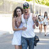Asdrúbal y su novia en el desfile del Orgullo Gay 2013