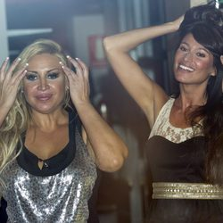 Raquel Mosquera y Sonia Ferrer en un concierto de Obús en el restaurante de Escassi