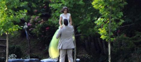 Marc Gasol y Cristina Blesa haciéndose las fotos oficiales de su boda