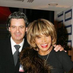 Tina Turner y Erwin Bach posan juntos