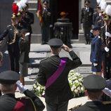 El Rey Felipe de Bélgica rinde honores a la Tumba del Soldado Desconocido