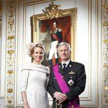 Primer retrato oficial de los Reyes Felipe y Matilde de Bélgica