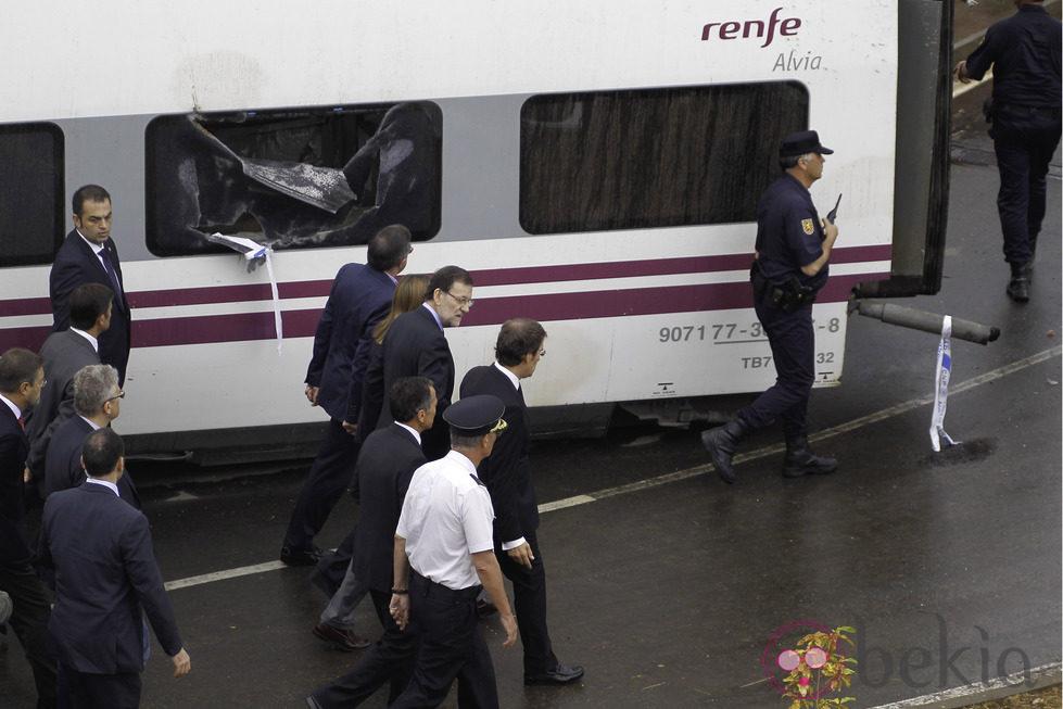 Mariano Rajoy visita el lugar del accidente de tren de Santiago