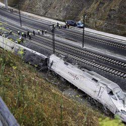 Estado del tren que descarriló en Santiago