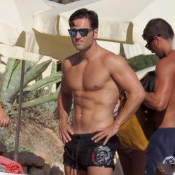 David Bustamante con el torso desnudo en Ibiza