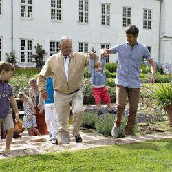 Christian, Enrique, Vicente y Federico de Dinamarca de vacaciones en Gråsten Slot