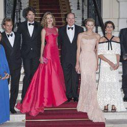La Familia Real de Mónaco con Natalia Vodianova, Antoine Arnault y Karl Lagerfeld en el Baile del Amor