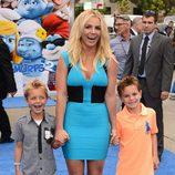 Britney Spears con sus hijos en la premiere de 'Los Pitufos 2' en Los Angeles