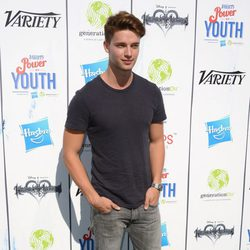 Patrick Schwarzenegger en el Power of Youth 2013