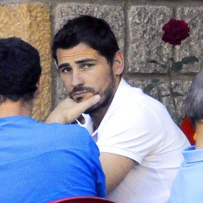 Iker Casillas jugando al mus en Navalacruz