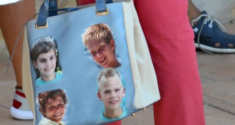 El bolso de la Reina Sofía con las caras de sus nietos