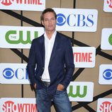 Josh Holloway en la fiesta veraniega de CBS, Showtime y The CW 2013