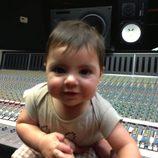 Shakira inmortaliza a su hijo Milan Piqué en el estudio de grabación