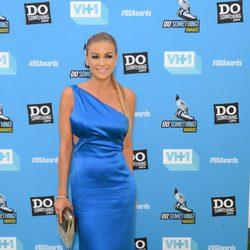 Carmen Electra en los premios Do Something 2013 en Los Ángeles