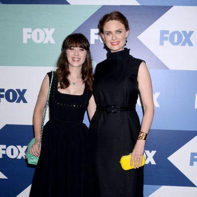 Zooey y Emily Deschanel en la Fiesta de Verano de la Fox 2013