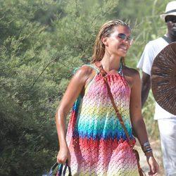 Sylvie van der Vaart acude a las playas de St. Tropez