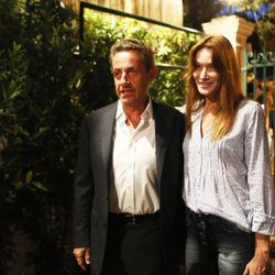 Nicolas Sarkozy y Carla Bruni en el concierto de Julien Clerc