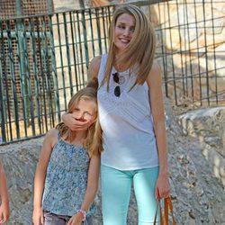 La Princesa Letizia, muy cariñosa con la Infanta Leonor en la Granja de Esporles de Mallorca