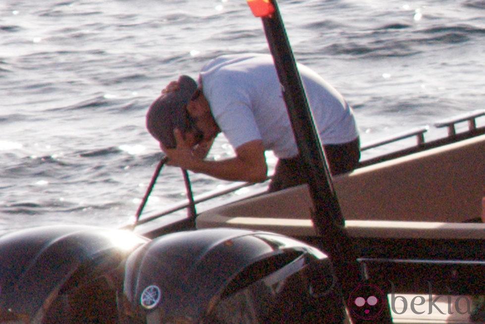 Leonardo DiCaprio en una lancha durante sus vacaciones de verano en Ibiza