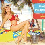 Ana Obregón posa en trikini en Madrid para promocionar una bebida