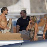Leonardo DiCaprio sin camiseta durante una jornada marinera en Ibiza