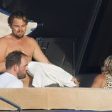 Leonardo DiCaprio y Ethan Suplee en un yate en Ibiza