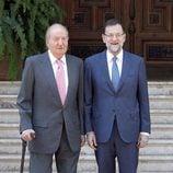 El Rey Juan Carlos y Mariano Rajoy tras su despacho en Marivent