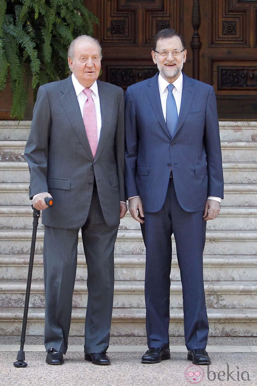 ¿Cuánto mide el Rey Juan Carlos I? - Altura - Real height 45085_rey-juan-carlos-mariano-rajoy-despacho-marivent