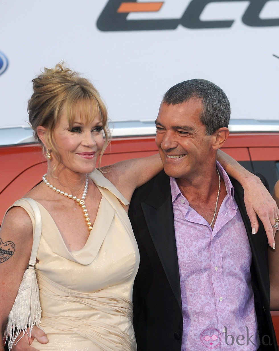 Melanie Griffith y Antonio Banderas, abrazados en la Starlite Gala 2013