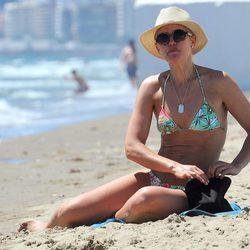 Valeria Mazza en bikini en una playa de Marbella