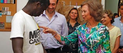 45201_reina-sofia-camiseta-miembro-proyecto-kolute-caritas-mallorca_m.jpg