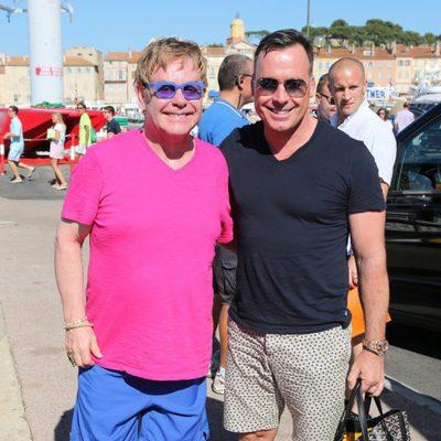 Elton John y David Furnish en Saint-Tropez