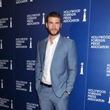 Liam Hemsworth en el almuerzo de la Asociación de la Prensa Extranjera de Hollywood