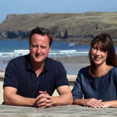 David Cameron de vacaciones en Cornualles con su mujer Samantha