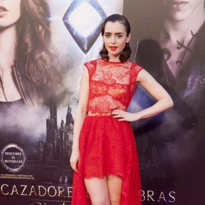 Lily Collins en el photocall del estreno de 'Cazadores de Sombras: Ciudad de Hueso' en Madrid