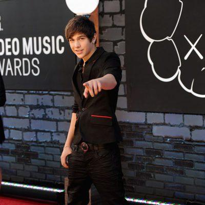 Austin Mahone en la alfombra roja de los MTV VMA 2013