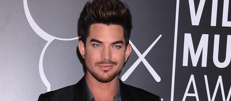 Adam Lambert en la alfombra roja de los MTV VMA 2013