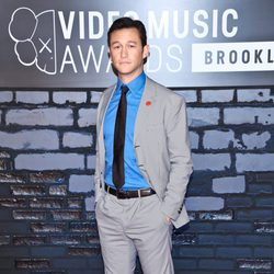 Joseph Gordon-Levitt en la alfombra roja de los MTV VMA 2013