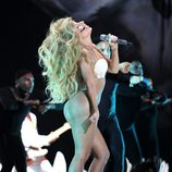 Lady Gaga muy sexy durante su actuación en los MTV VMA 2013